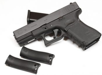 Replica pistol G19 Gen4 blow-back WE magazin Squad Store