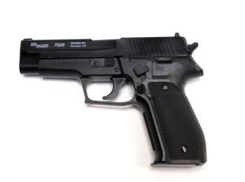 Replica Sig Sauer P226 slide metal CyberGun magazin Squad Store