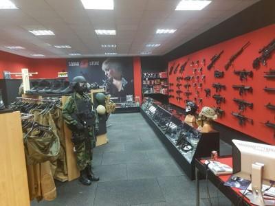 upgrade magazin Squad Store stoc imbunatatit